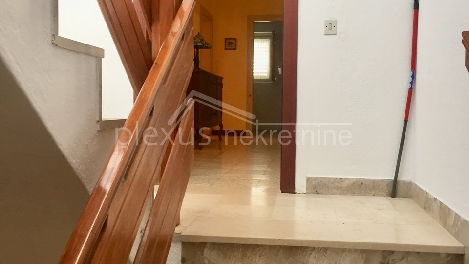 House, 300 m2, For Sale, Split - Bol