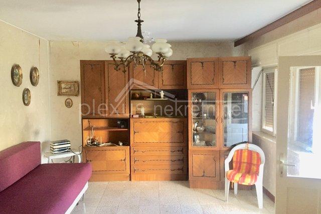 Kuća: Split, Bol, 300 m2