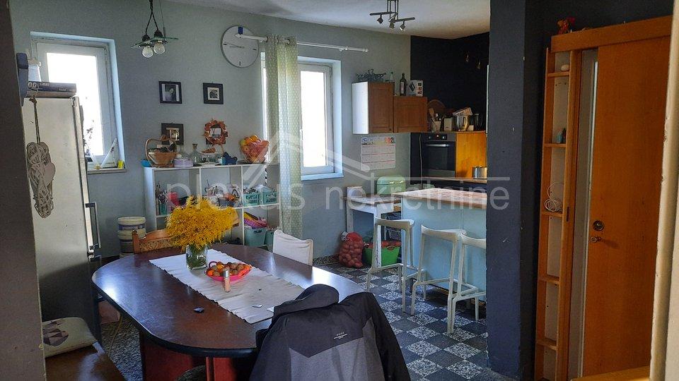 Haus, 240 m2, Verkauf, Solin - Donja Strana