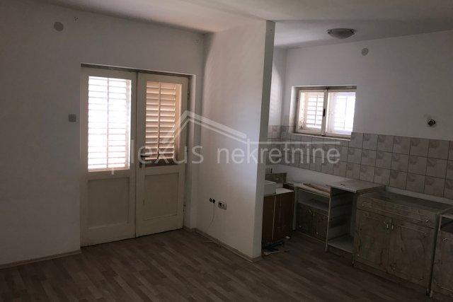 Trosoban stan u kući: Solin, Bilankuša, 104 m2