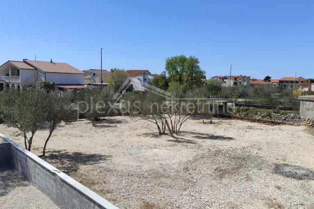 Građevinsko zemljište: Šibenik - okolica, Pirovac, 787 m2