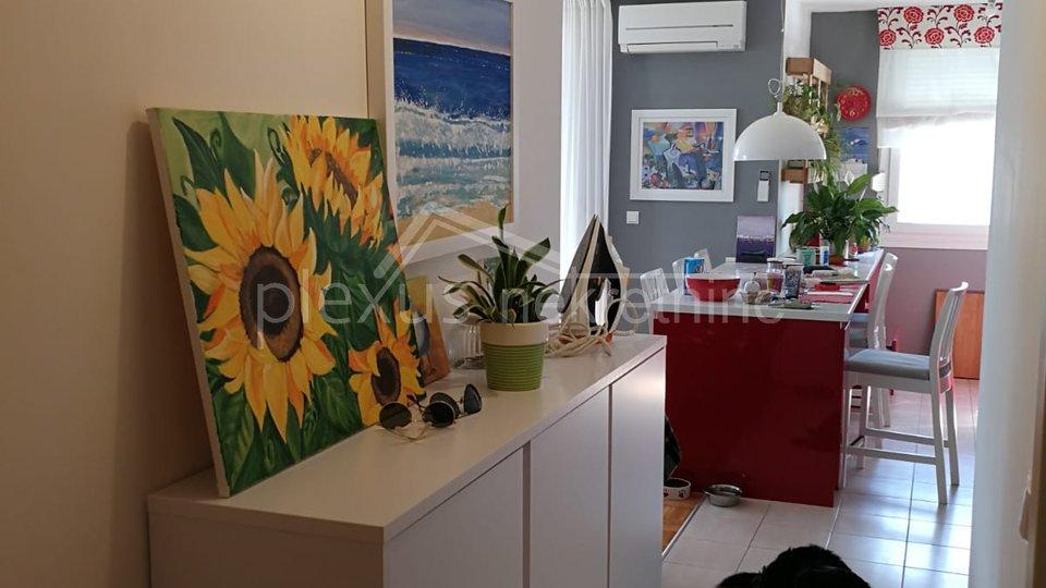 Dvosoban stan: Split, Kila, 75 m2