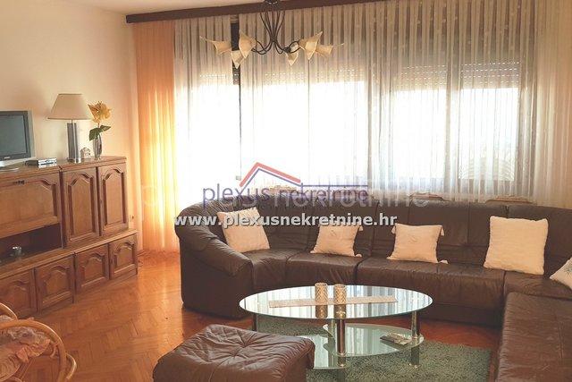 Stanovanje, 130 m2, Prodaja, Kaštel Štafilić