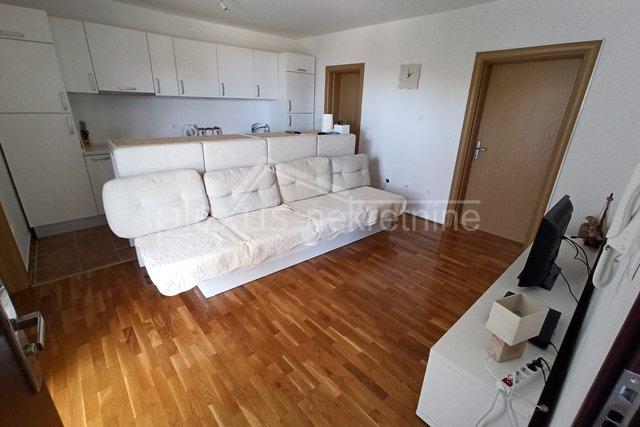 Namješten stan - apartman: Brač, Bol, 44 m2