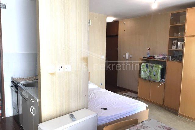 Garsonijera ili jednosoban stan: Split, Mertojak, 30 m2