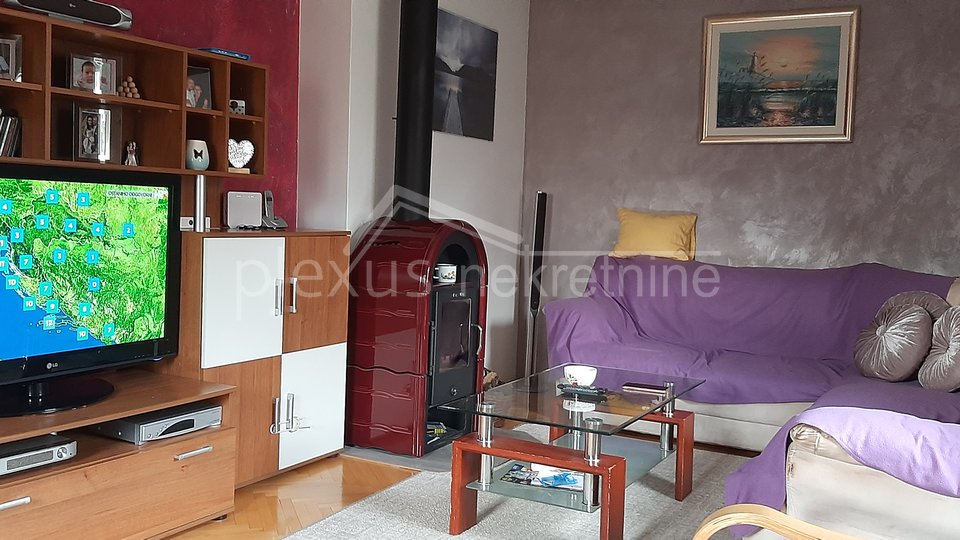 Trosoban stan u centru: Kaštel Sućurac, 130 m2