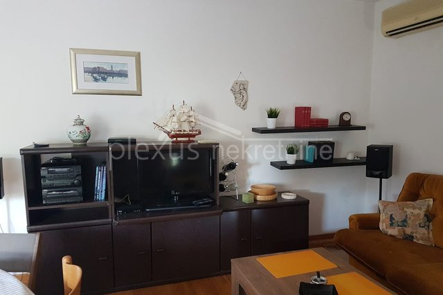 Appartamento, 75 m2, Affitto, Split - Trstenik