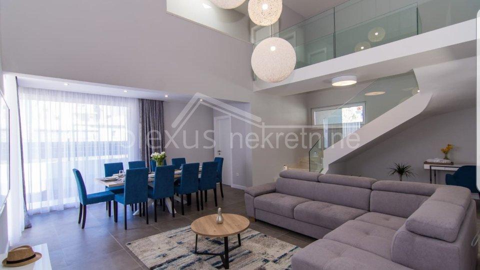 Dvije identične urbane vile, Kaštel Kambelovac, 404 m2
