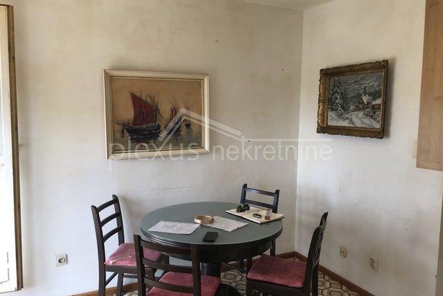 Dvosoban stan s pogledom na more: Split, Trstenik, 62 m2