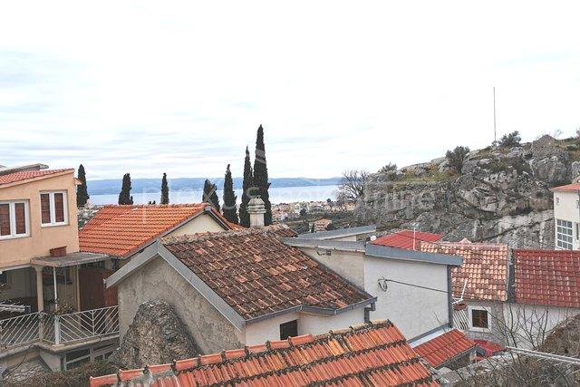 Dvoetažni dvosoban stan: Split, Kamen, 56 m2