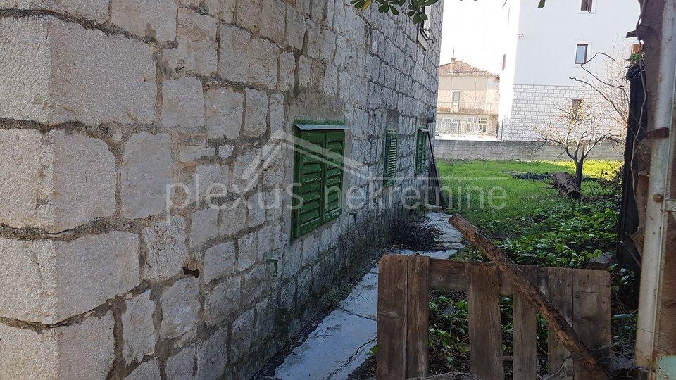Kamena samostojeća kuća: Split - okolica, Kaštel Sućurac