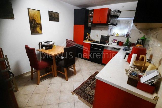 Dvosoban stan u centru: Split, Manuš, 43 m2