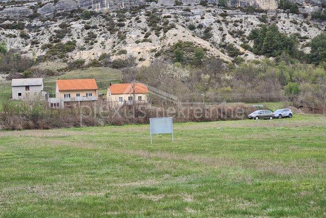 Grundstück, 8615 m2, Verkauf, Sinj - Glavice