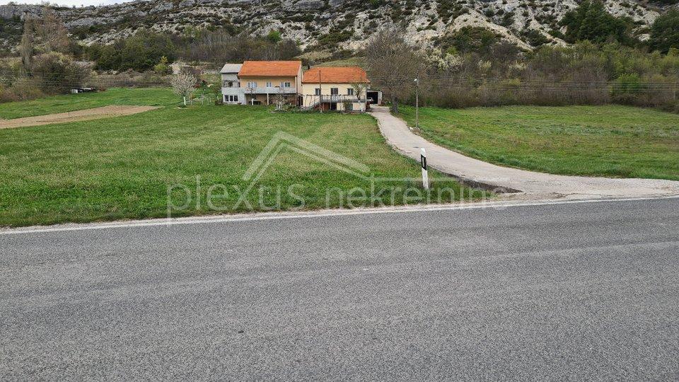 Građevinsko-poljoprivredno zemljište: Sinj, Glavice