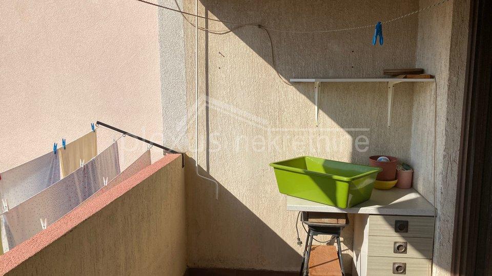 Trosoban komforan stan: Split, Sućidar, 71 m2