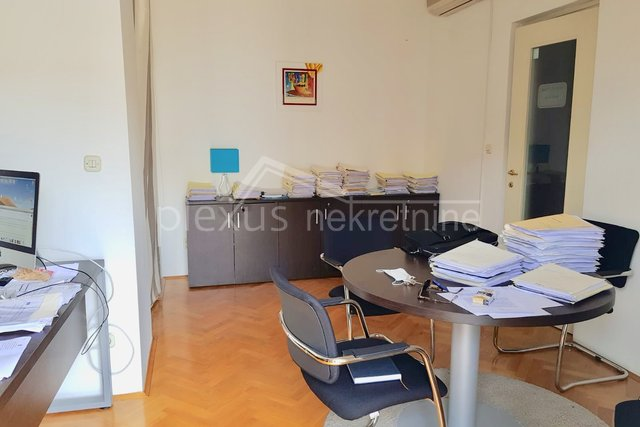 Dvosoban stan: Split, Sukoišan, 58 m2