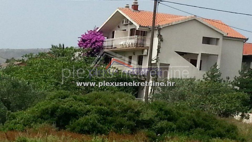 Casa, 400 m2, Vendita, Kaštel Štafilić