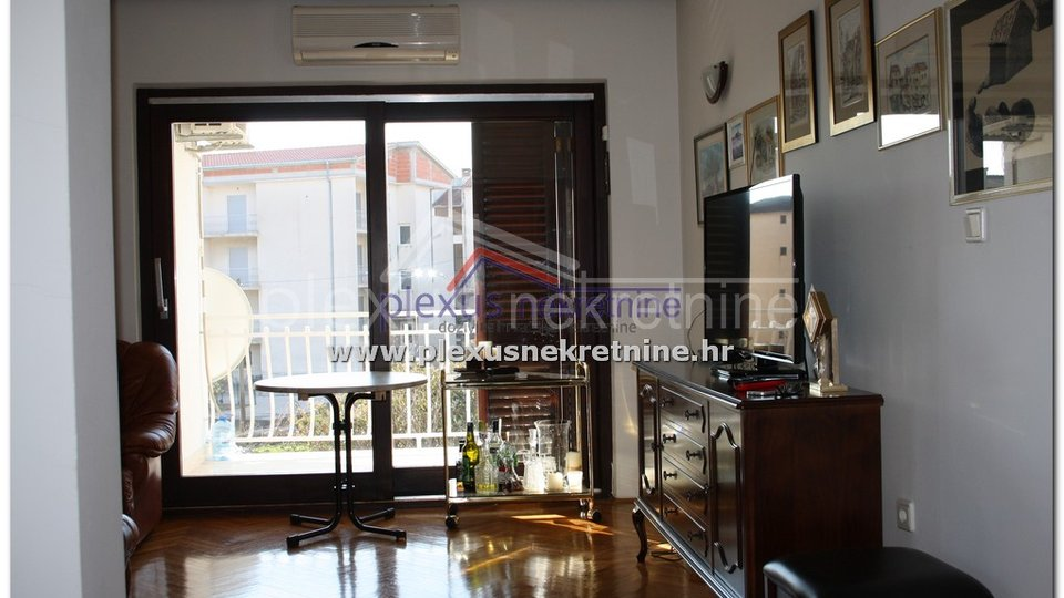 House, 407 m2, For Sale, Split - Kamen