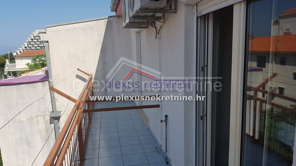 House, 430 m2, For Sale, Makarska