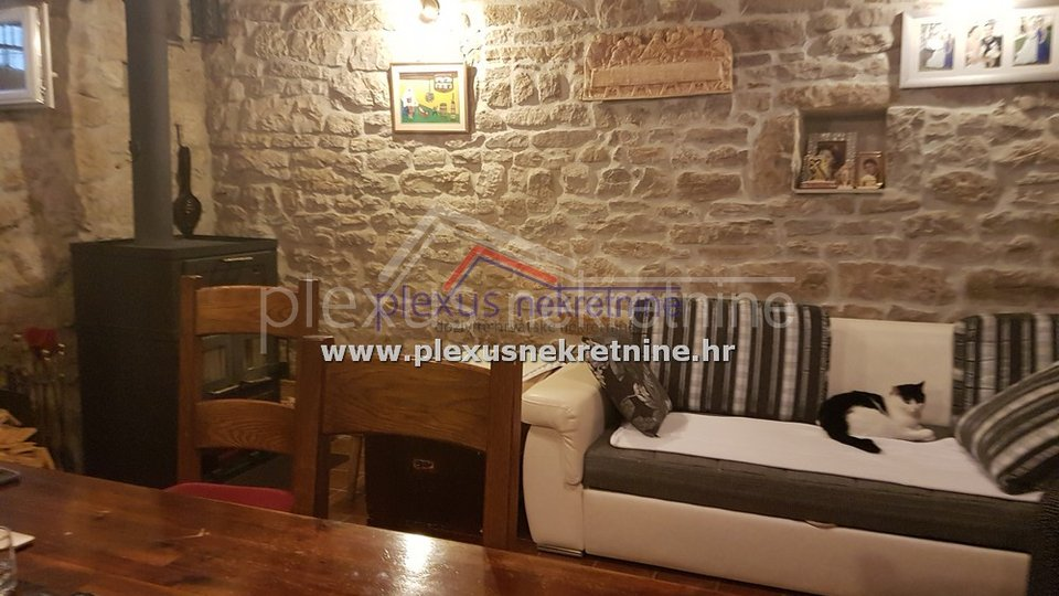 House, 120 m2, For Sale, Kaštel Kambelovac