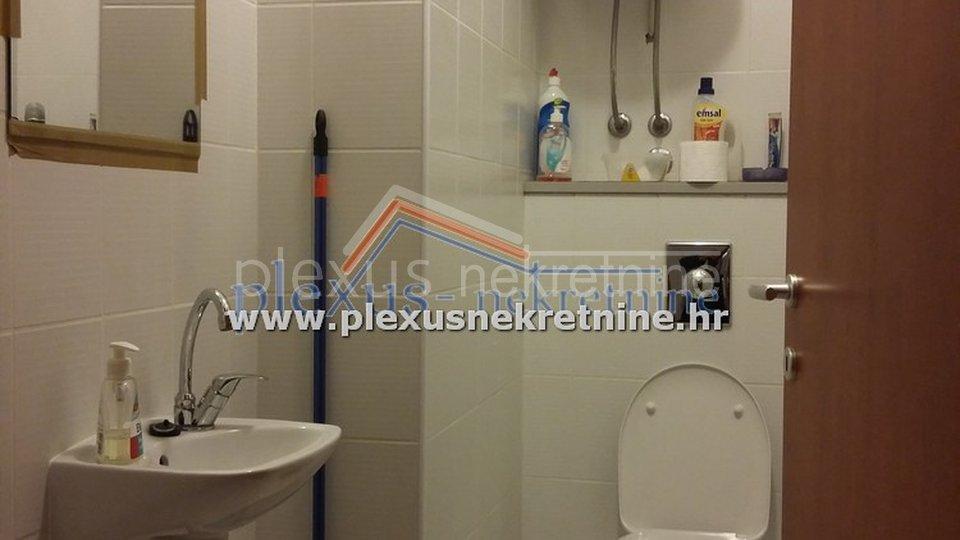 Stan - garsonijera - apartman: Split, Firule, 37 m2 (prodaja)