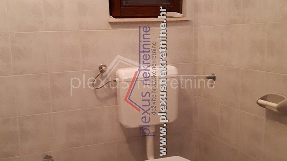 House, 444 m2, For Sale, Okrug - Okrug Donji