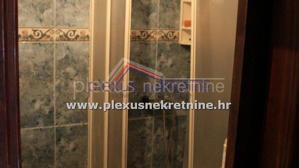 House, 100 m2, For Sale, Split - Varoš