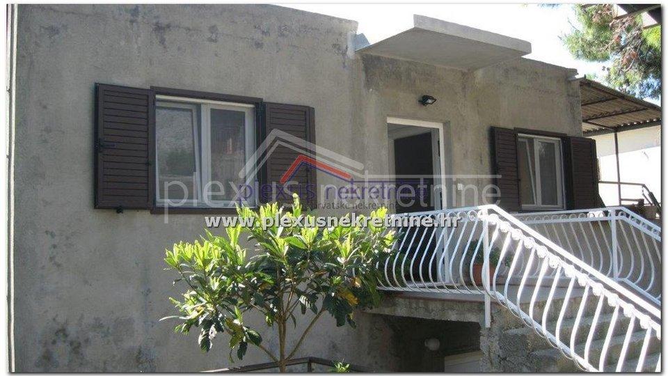 Stan s garažom, Omiš - okolica, Lokva Rogoznica, 90 m2