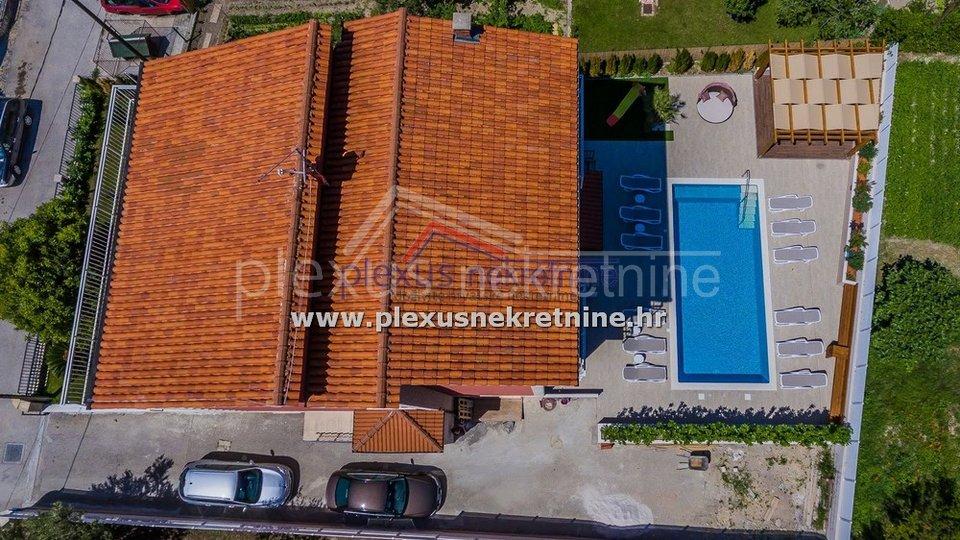 Haus, 186 m2, Verkauf, Kaštel Lukšić