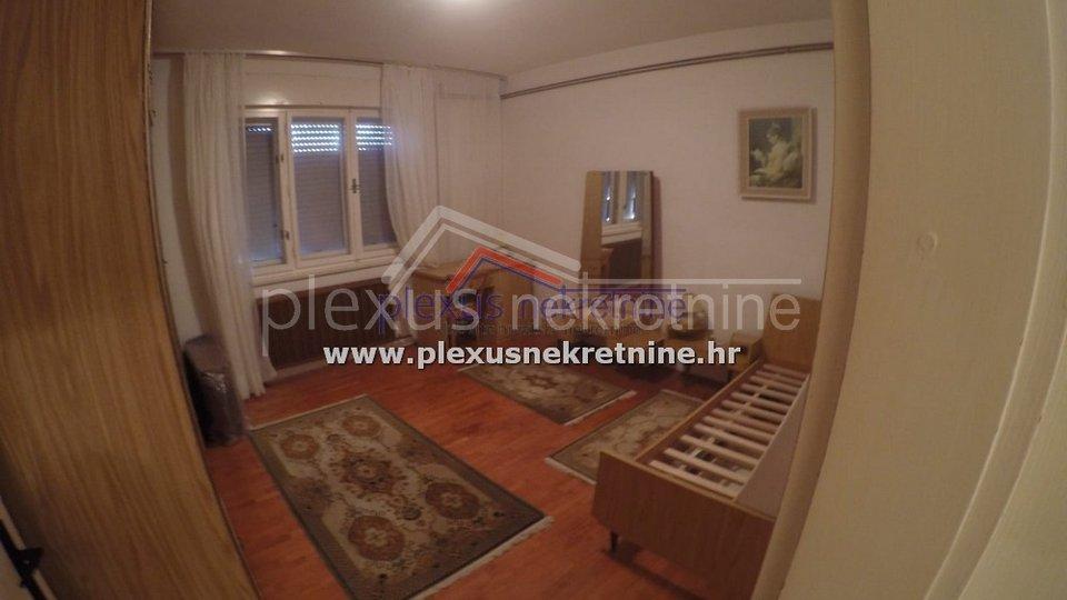 Trosoban stan prvi red do mora: Split, Meje, 100 m2