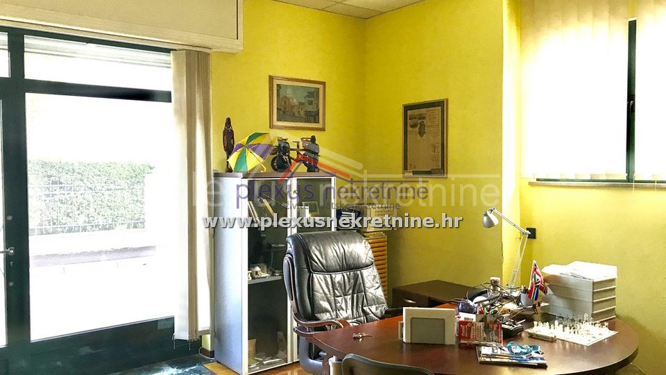 Commercial Property, 77 m2, For Sale, Split - Bačvice