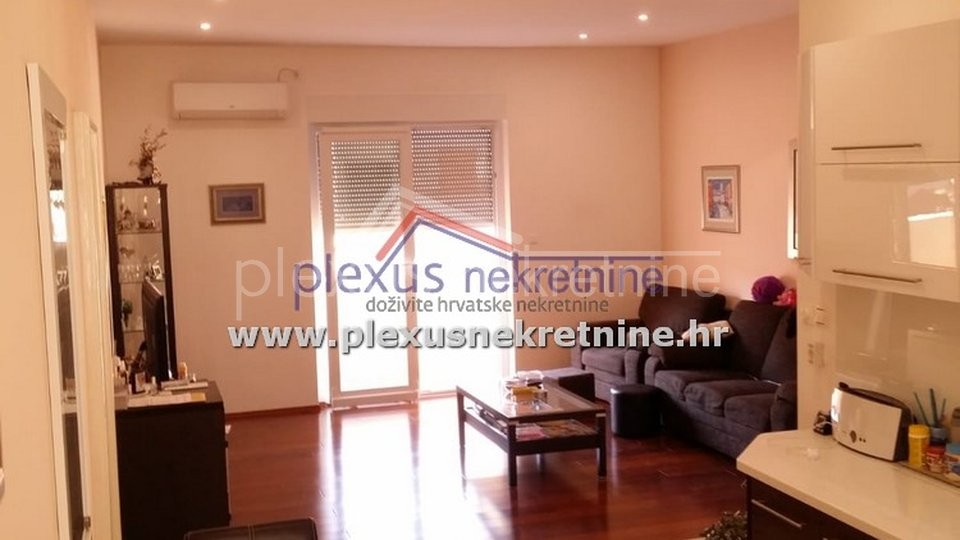 Apartment, 175 m2, For Sale, Split - Manuš