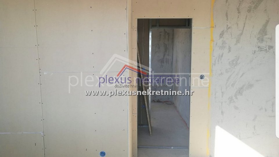 Apartment, 35 m2, For Sale, Okrug - Okrug Gornji