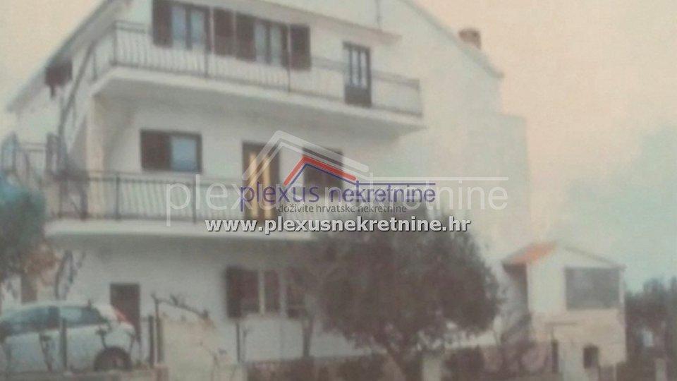 Dvosoban stan: Šibenik - okolica, Zečevo Rogozničko, 79 m2