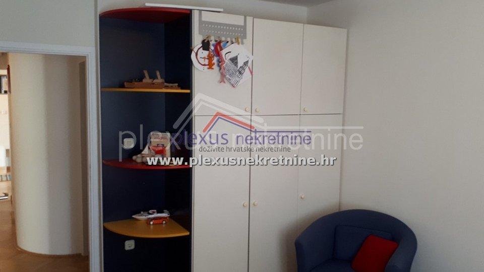 Luksuzan trosoban stan: Split, Lokve, 130 m2