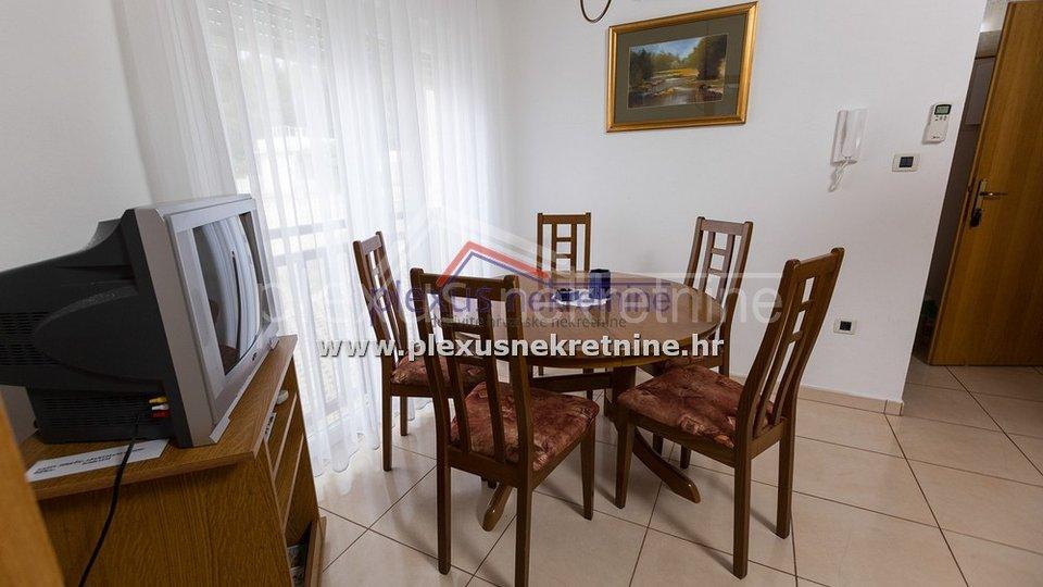SNIŽENO! Apartmanska kuća s bazenom: Trogir - okolica, okrug Donji, 327 m2