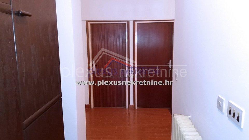 Peterosoban dvoetažni stan: Split, Sućidar, 150 m2
