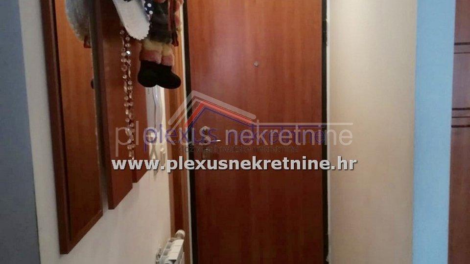 SNIŽENO! Namješten dvosoban stan s parkingom: Novi Zagreb, Jakuševac, 43 m2