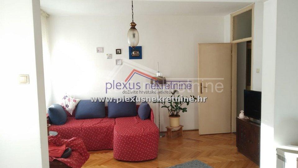 Trosoban stan: Split, Kman, 91 m2 - ZAMJENA za manji!