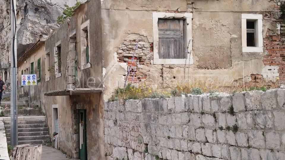 Anwesen, 742 m2, Verkauf, Omiš - Borak