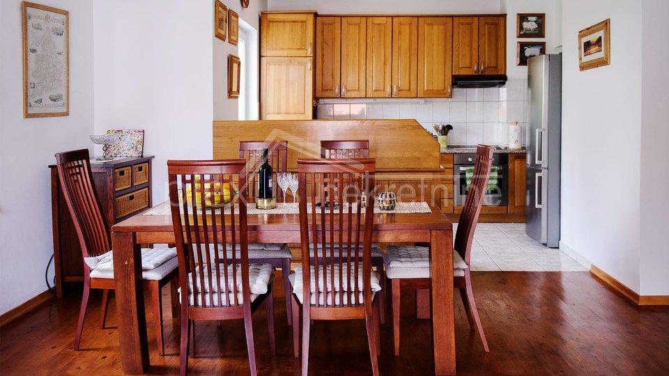 Hiša, 420 m2, Prodaja, Okrug - Okrug Gornji