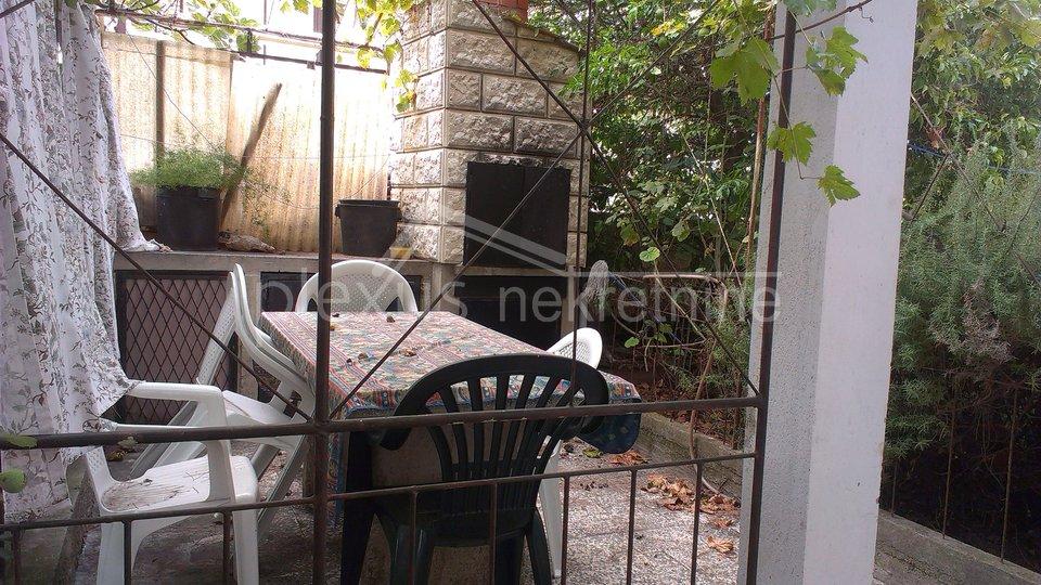 Aparmanska kuća blizu mora: Trogir, Čiovo, 210 m2