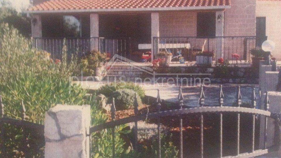 House, 94 m2, For Sale, Šolta - Srednje Selo