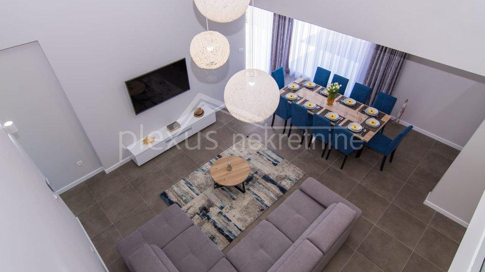 Casa, 202 m2, Vendita, Kaštel Kambelovac