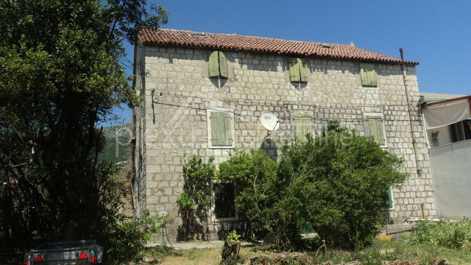 House, 340 m2, For Sale, Kaštel Kambelovac