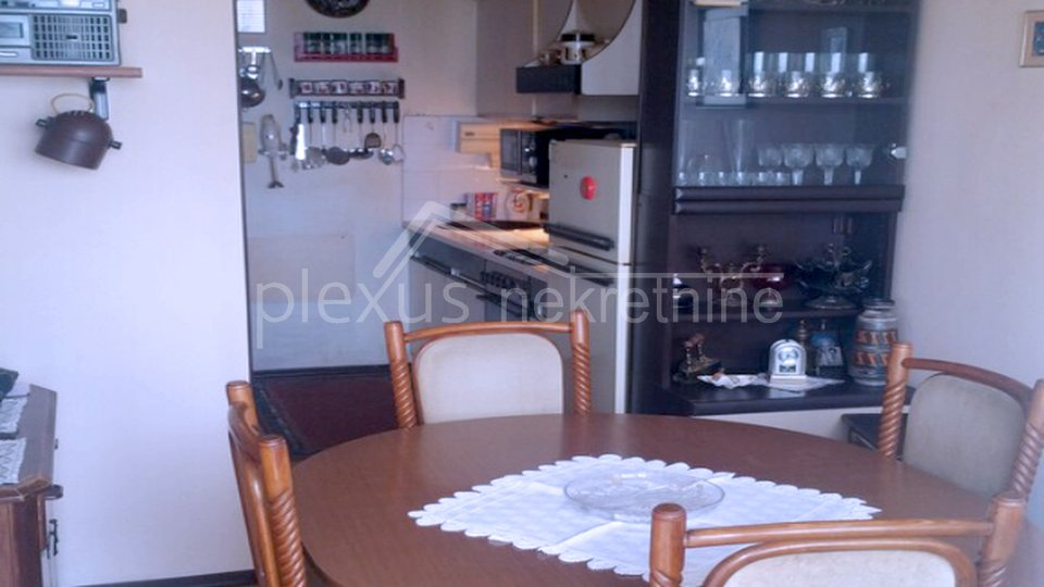Namješten dvosoban stan: Split, Plokite, 65 m2