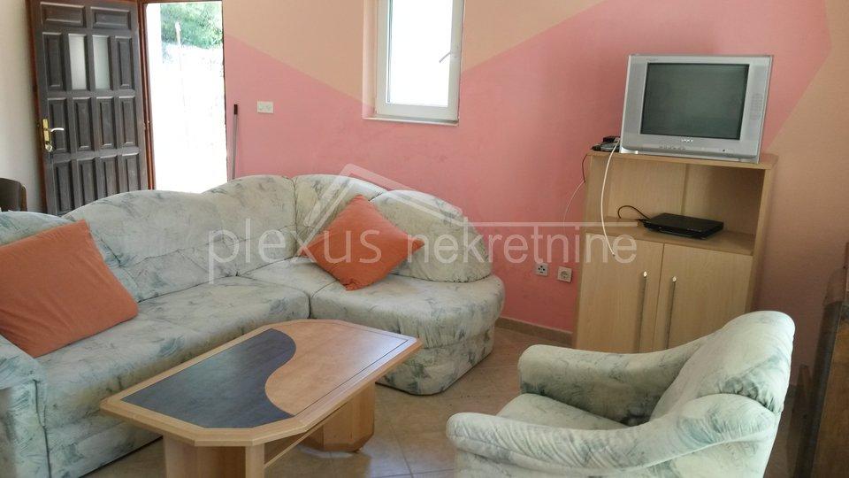 Apartmanska kuća - prvi red do mora: Šolta, Maslinica, 345 m2