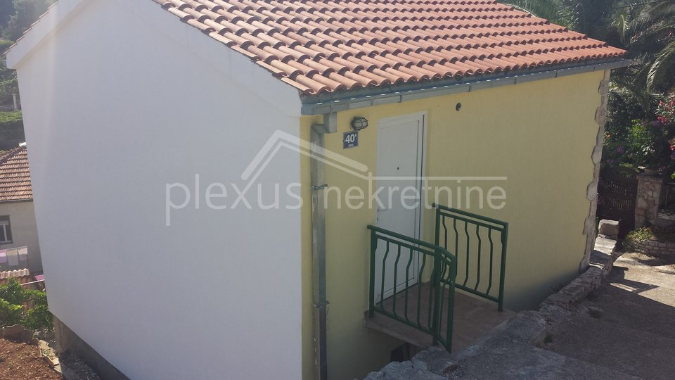 House, 70 m2, For Sale, Šolta - Stomorska