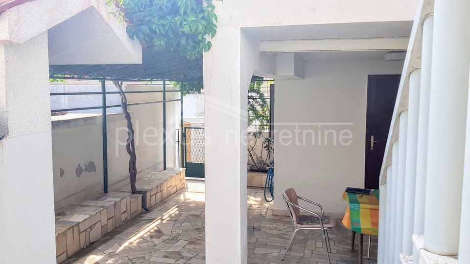 House, 150 m2, For Sale, Okrug - Okrug Donji