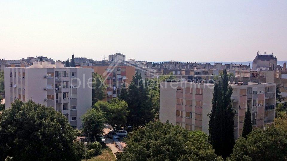 Dvosoban stan: Split, Plokite, 52 m2